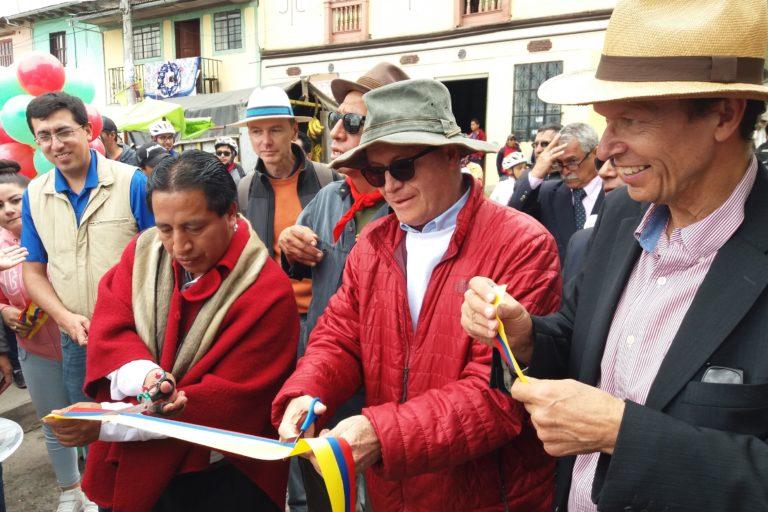 Carlos Ruales en la inauguración de la Ruta de Humboldt y Bonpland. Foto: Archivo Carlos Ruales.