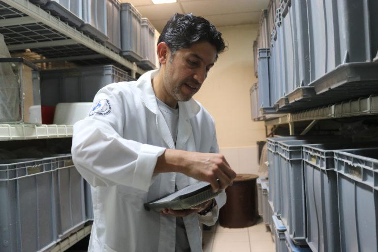 Freddy Almeida, administrador de la Balsa de los Sapos. Foto: Isabela Ponce.
