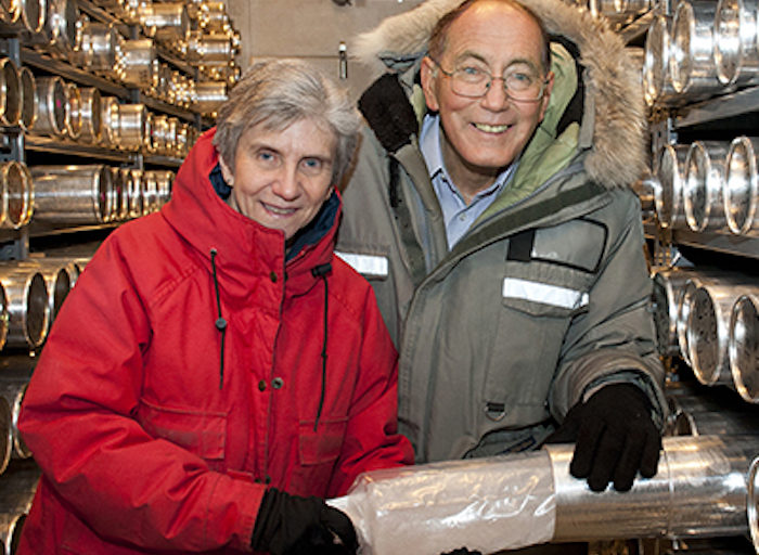Lonnie Thompson y su esposa Ellen Mosley-Thompson. Foto: Jo McCulty / The Ohio State University.
