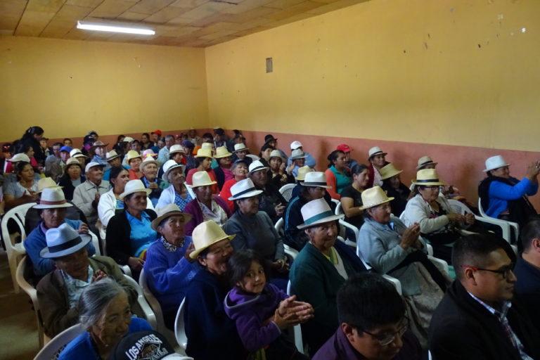 Áreas comunitarias de Ecuador. Más de 300 comuneros asistieron a la entrega del Acuerdo Ministerial donde se declara al territorio de la comuna Marcos Pérez de Castilla como Área Protegida Comunal. Foto: NCI.
