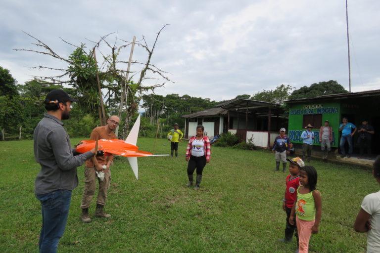 Día de los Pueblos Indígenas La comunidad nativa Las Brisas utilizó drones para reconocer su territorio. Foto: Amazon Conservation Team.