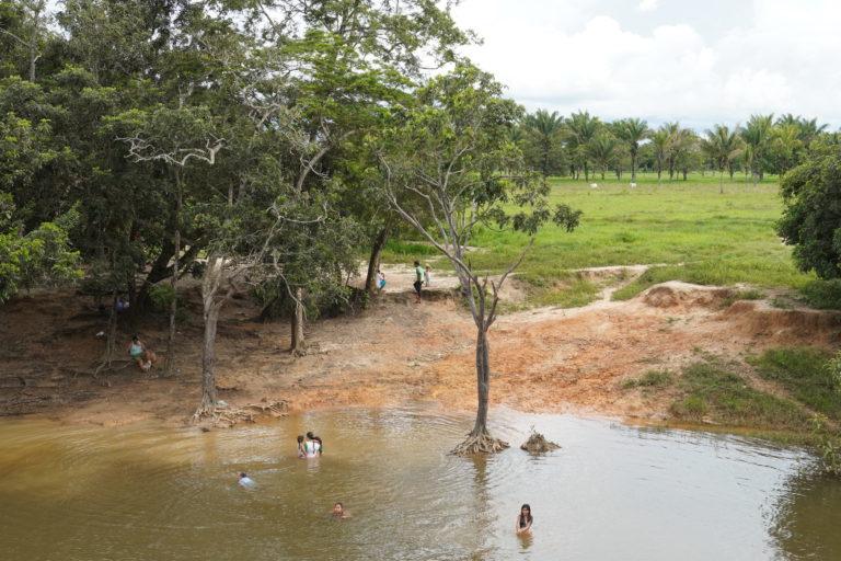 Indígenas guayaberos Guaviare. Lugar de baño y recreación de los indígenas Jiw del resguardo Barrancón. Foto: María Fernanda Lizcano.