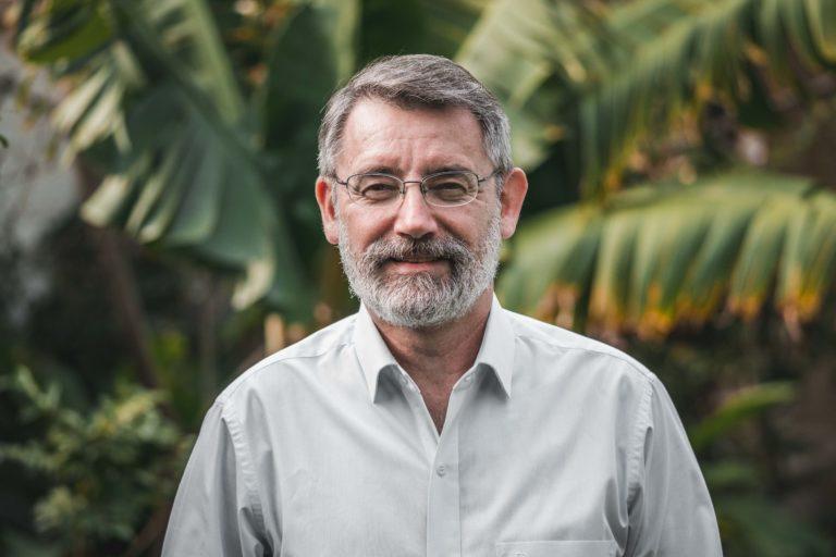 Roberto Vides-Almonacid, experto en el bosque chiquitano, habla de las pérdidas en Bolivia por los incendios forestales. Foto: Fundación para la Conservación del Bosque Chiquitano.