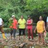Palma de aceite en Ecuador. Habitantes de la Chiquita, norte de Ecuador, denuncia contaminación de su río. Foto: David Silva.