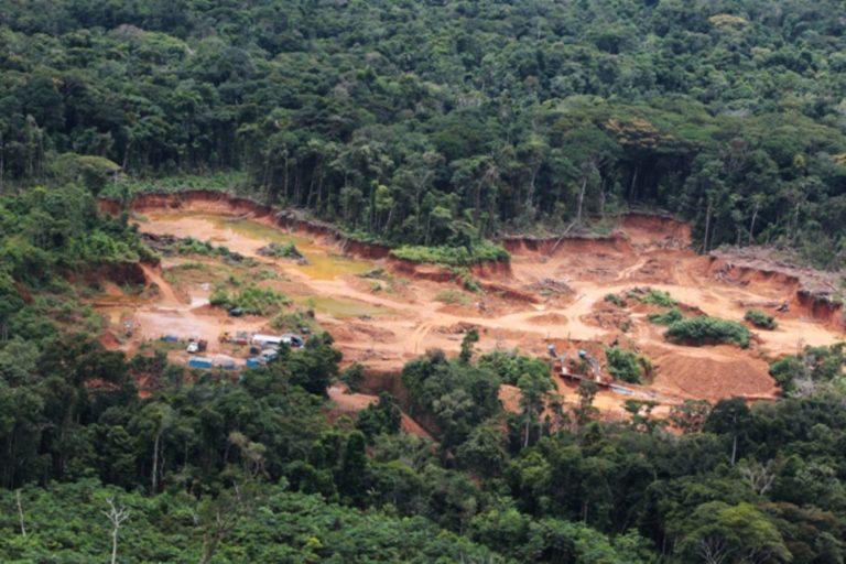 La presencia de minería ilegal en la Cordillera del Cóndor empezó hace más de una década. Foto: Agencia Andina.
