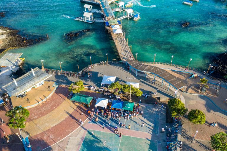 Por quinto año consecutivo, en Puerto Ayora se organiza el Festival de la Langosta. Foto: Esteban Barrera ©