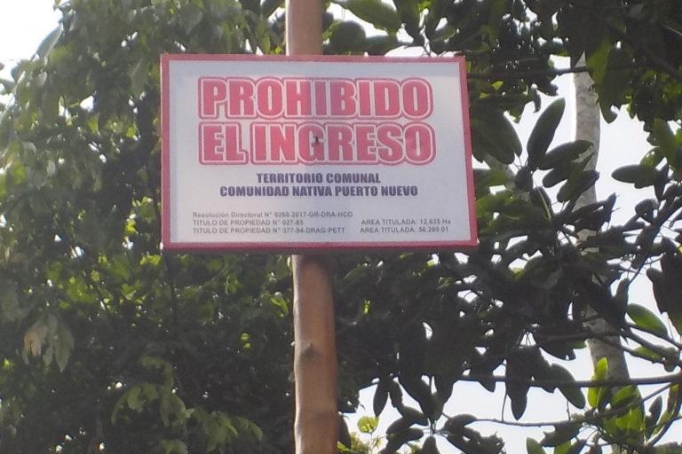 Letrero que intenta impedir el paso de los invasores ilegales. Foto: Pedro Herma.