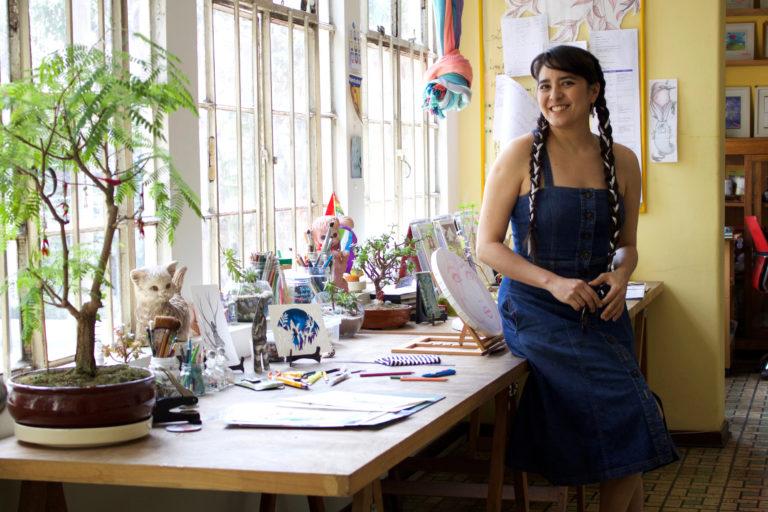 Sheila Alvarado en su estudio. Foto: Alejandra Vélez.