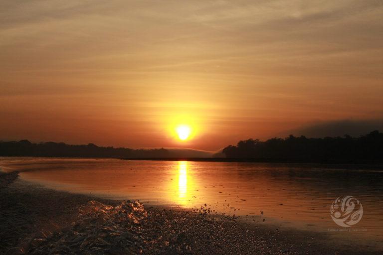 Bosques en el Caguán. Atardecer en el río Caguán. Foto: cortesía FCDS.