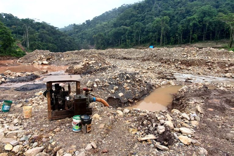Mineros ilegales de La Pampa estarían migrando a la zona de amortiguamiento de la Reserva Comunal Amarakaeri. Foto: ACR Amarakaeri.