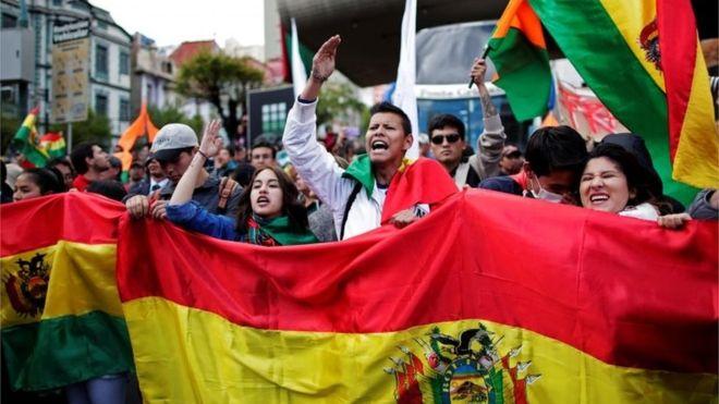Bolivia deudas ambientales 2019 Protestas en Bolivia tras las elecciones en las que resultó elegido Evo Morales para un cuarto periodo. Foto: Alex Villca.