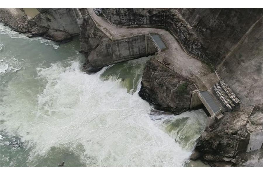 A inicios de año Hidroituango impidió el paso de agua del río Cauca por más de una semana. Foto: EPM.