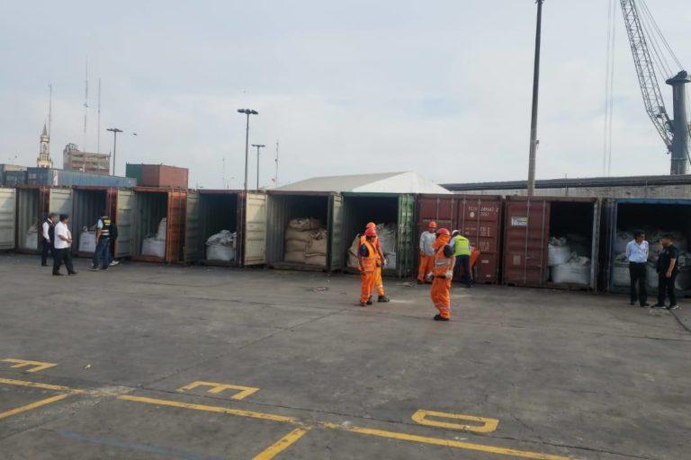 Las autoridades peruanas allanaron 35 almacenes que contenían 2000 toneladas de mineral. Foto: PNP Medio Ambiente.