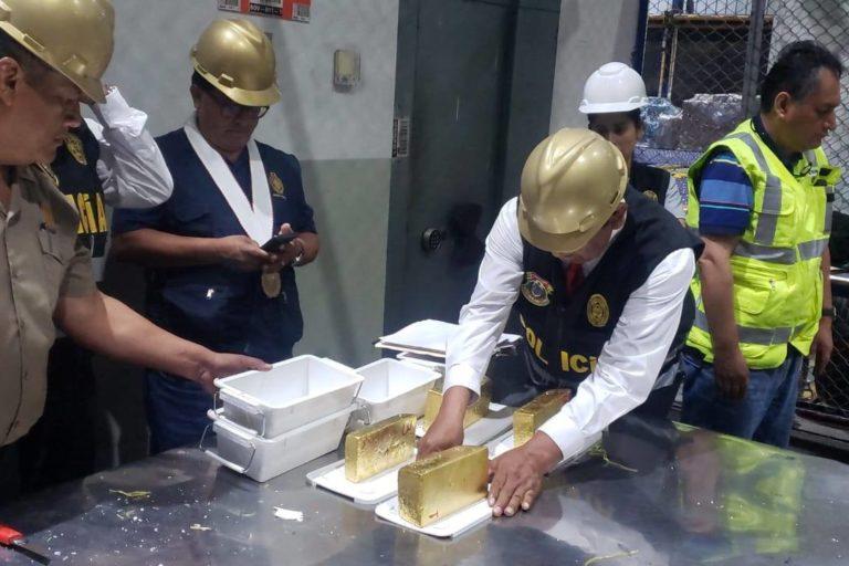 120 kilos en lingotes de oro fueron decomisados a empresas exportadoras. Foto: PNP Medio Ambiente.