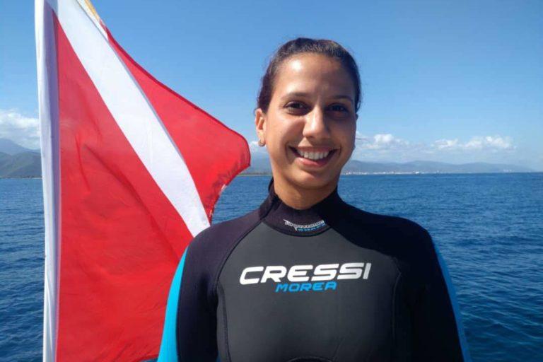 Delfín costero. Yurasi Briceño coordina el Proyecto Sotalia en Venezuela, hace parte de us doctorado. Foto: Yurasi Briceño.