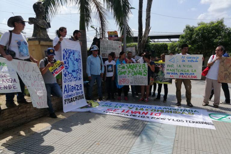 Fracking en Colombia. Una de las protestas de habitantes de San Martín, Cesar, en contra del fracking. Foto: Mauricio Ochoa Suárez.