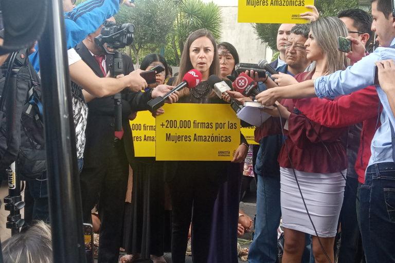 Ataques a mujeres amazónicas. María José Veramendi de Amnistía Internacional dijo que el gobierno de Ecuador no da respuestas sobre la protección a las defensoras de derechos humanos y la naturaleza. Foto: Amnistía Internacional.