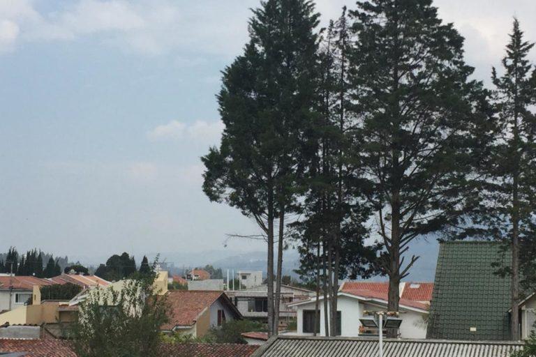 Menor contaminación del aire por coronavirus. Según el índice de calidad del aire (ICA), el aire de Cuenca se ha mantenido como bueno desde la semana del 15 de marzo. Fotografía cortesía de Chester Sellers.
