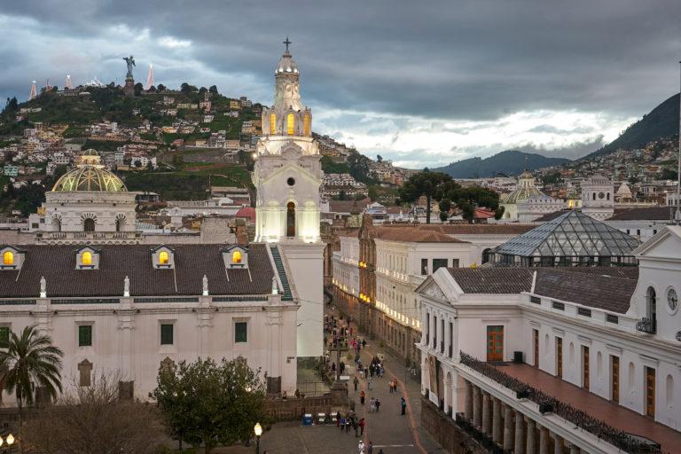 Menor contaminación del aire por coronavirus. Uno de los valores que más ha bajado en Quito es el material particulado que proviene de las actividades industriales, de los tubos de escape de los vehículos o de los incendios forestales. Fotografía tomada de Flickr bajo licencia CC BY-ND 2.0.