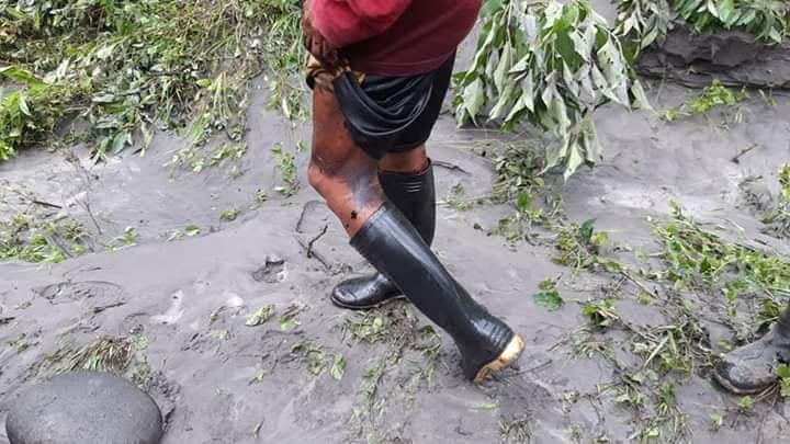 Cascada San Rafael. La pesca se ha visto afectada por el derrame de petróleo. Foto: comunidad de Pandayacu.