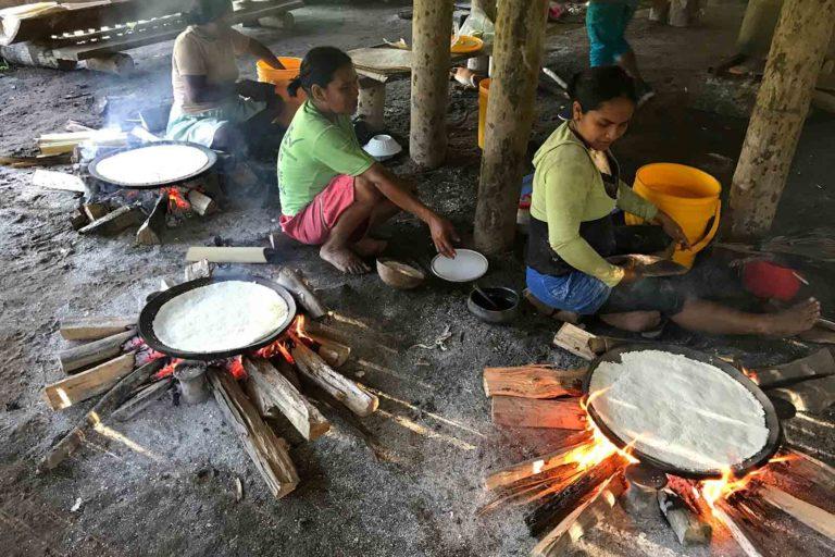 Covid19 llega a pueblos indígenas. Las poblaciones indígenas tienen un desabastecimiento de alimentos en el aislamiento social. Foto: Valentina Tuchie.
