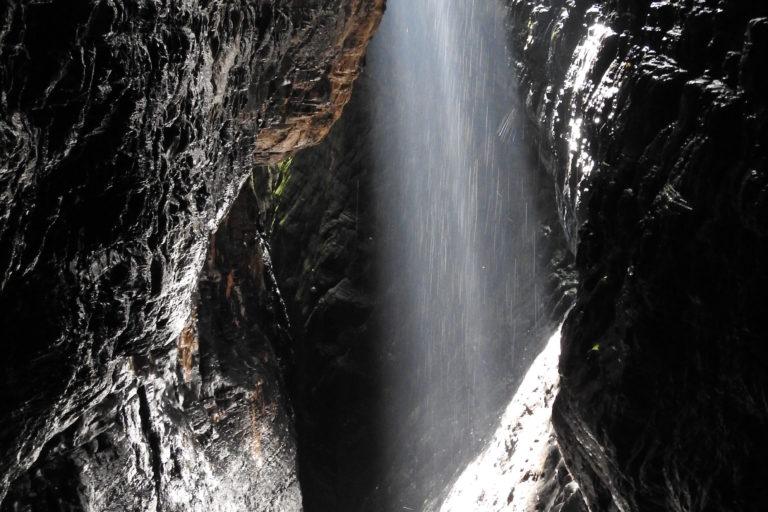 Erradicación de cultivos. Caída de agua en La Cristalina. Foto: Camilo Altamar.