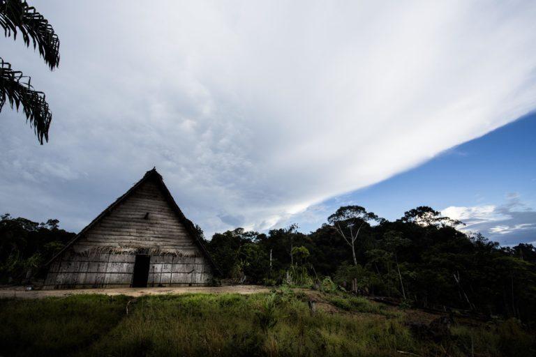 Territorios indígenas Colombia. Maloca en la Amazonía colombiana. Foto: Juan Gabriel Soler, Fundación Gaia Amazonas.