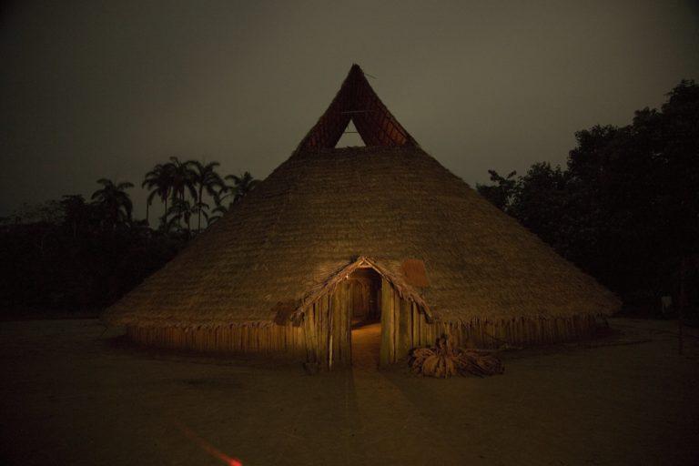 Territorios indígenas Colombia. En la Amazonía oriental colombiana habitan también indígenas en aislamiento voluntario. Foto: Sergio Bartelsman, Fundación Gaia Amazonas.