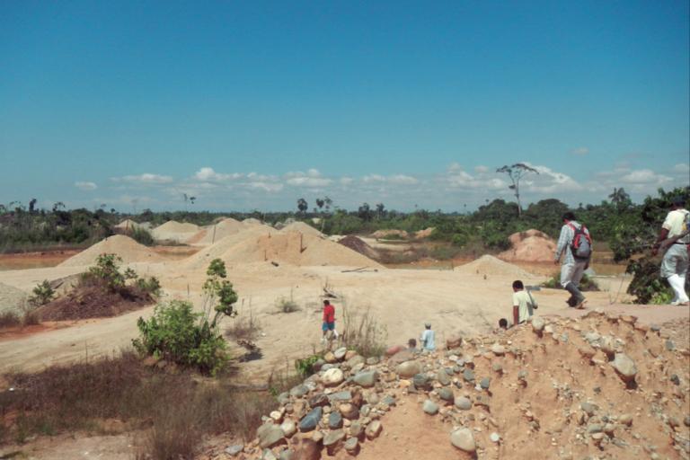 La minería ilegal ocasiona la deforestación en las comunidades nativas de Madre de Dios. Foto: Ermeto Tuesta / IBC