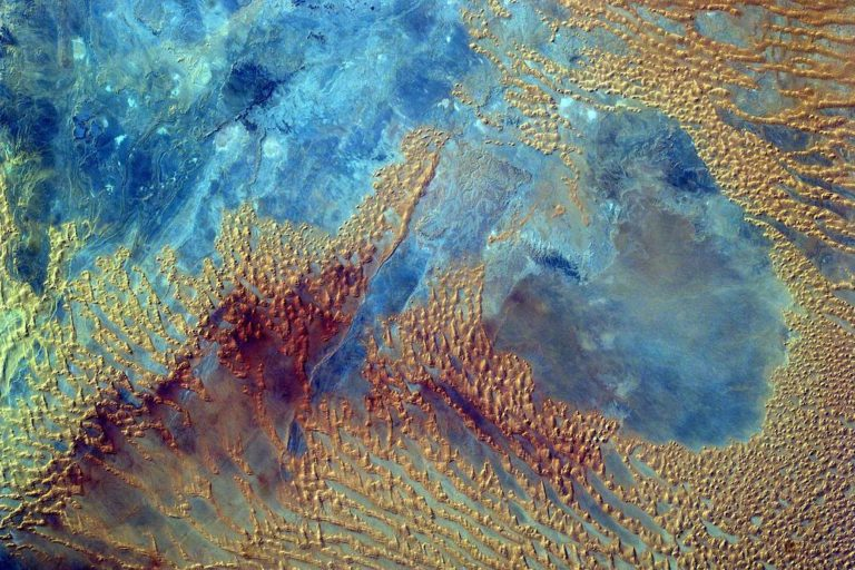 El desierto del Sahara visto desde el espacio. Foto: NASA.