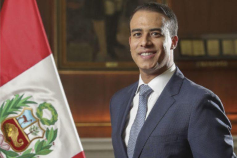 El ministro de Trabajo, Martín Ruggiero, es exsocio del estudio Payet, rey, Cauvi, Pérez, que asesora a la empresa Tamshi SAC, denunciada por delitos ambientales.