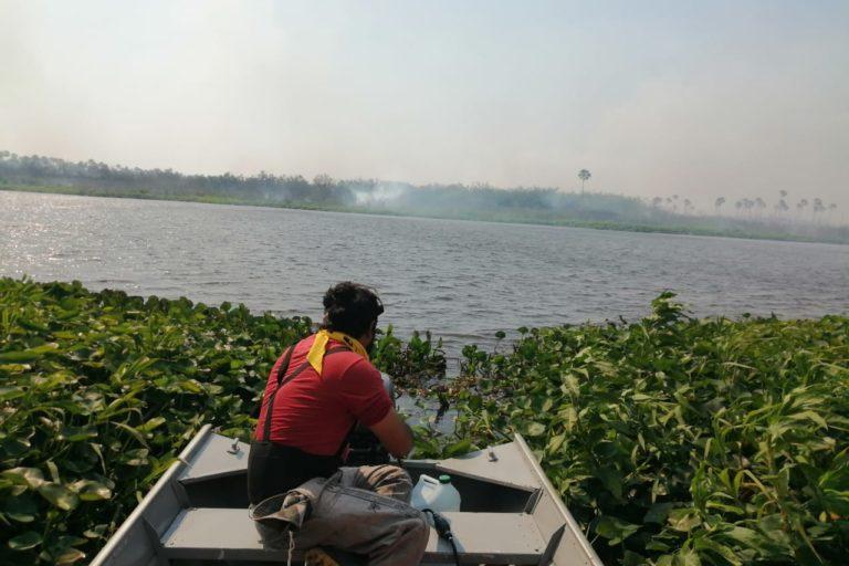 Monitores ambientales recorren el pantanal en Paraguay. Foto: Guyra Paraguay.