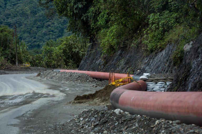 Bancos financian petróleo. Obras de reparación del oleoducto dañado que ocasionó el derrame de petróleo el 7 de abril de 2020. Fotografía de Iván Castaneira para Agencia Tegantai.