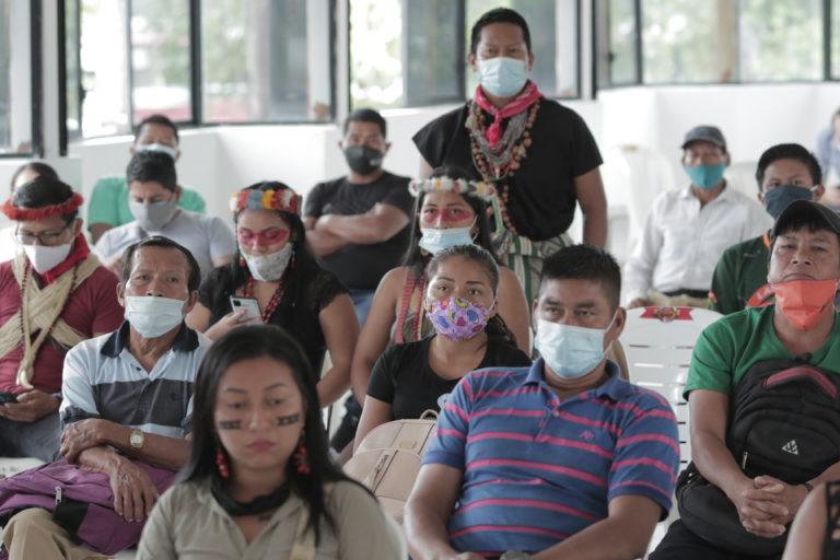 Derrame petrolero en el río Coca. Personas de las comunidades indígenas afectadas asistieron a la lectura de la sentencia el 1 de septiembre. Foto: Ivan Castaneira/Agencia Tegantai.
