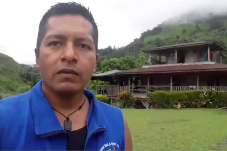 Guardia Indígena del Cauca. Eduin Mauricio Capaz, coordinador de Derechos Humanos de la Asociación de Cabildos Indígenas del norte del Cauca (ACIN). Foto: Twitter Eduin Mauricio Capaz.