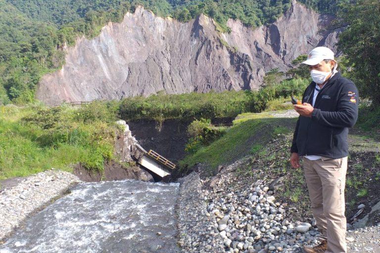 La erosión del río Coca también ha afectado también a los ríos secundarios que desembocan en él. Uno de los más afectados ha sido el Montana. Fotografía tomada de la cuenta de Twitter de la Dirección Zonal del Ambiente y Agua Sucumbíos.