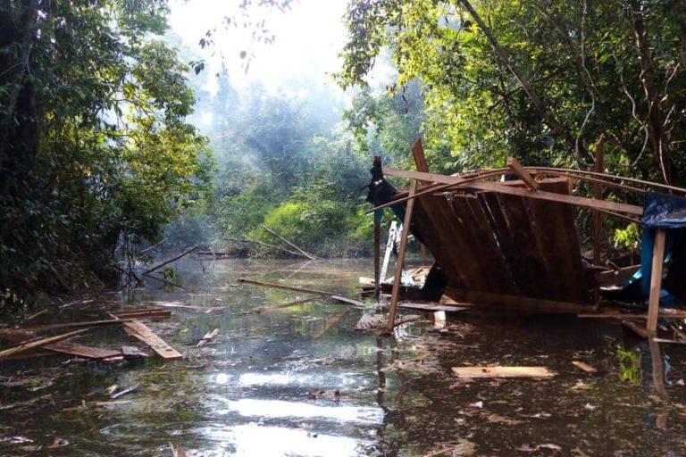 Pequedragas en el río Nanay