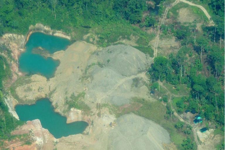 Explotación de oro de aluvión en tierra, Magüí Payán (Nariño). Foto: Informe EVOA 2019.