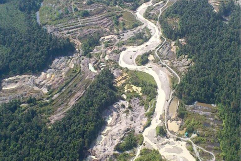 Explotación de oro de aluvión en tierra, Istmina (Chocó). Foto: Informe EVOA 2019.