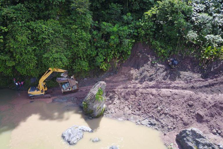 La explotación minera continuó en la cuarentena por el COVID-19. Foto: Amazon Frontlines.