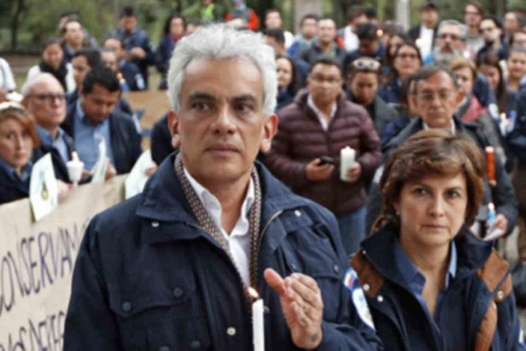 El exministro de Ambiente Ricardo Lozano y la exdirectora de Parques Nacionales Naturales de Colombia, Julia Miranda. Foto: Revista Semana.
