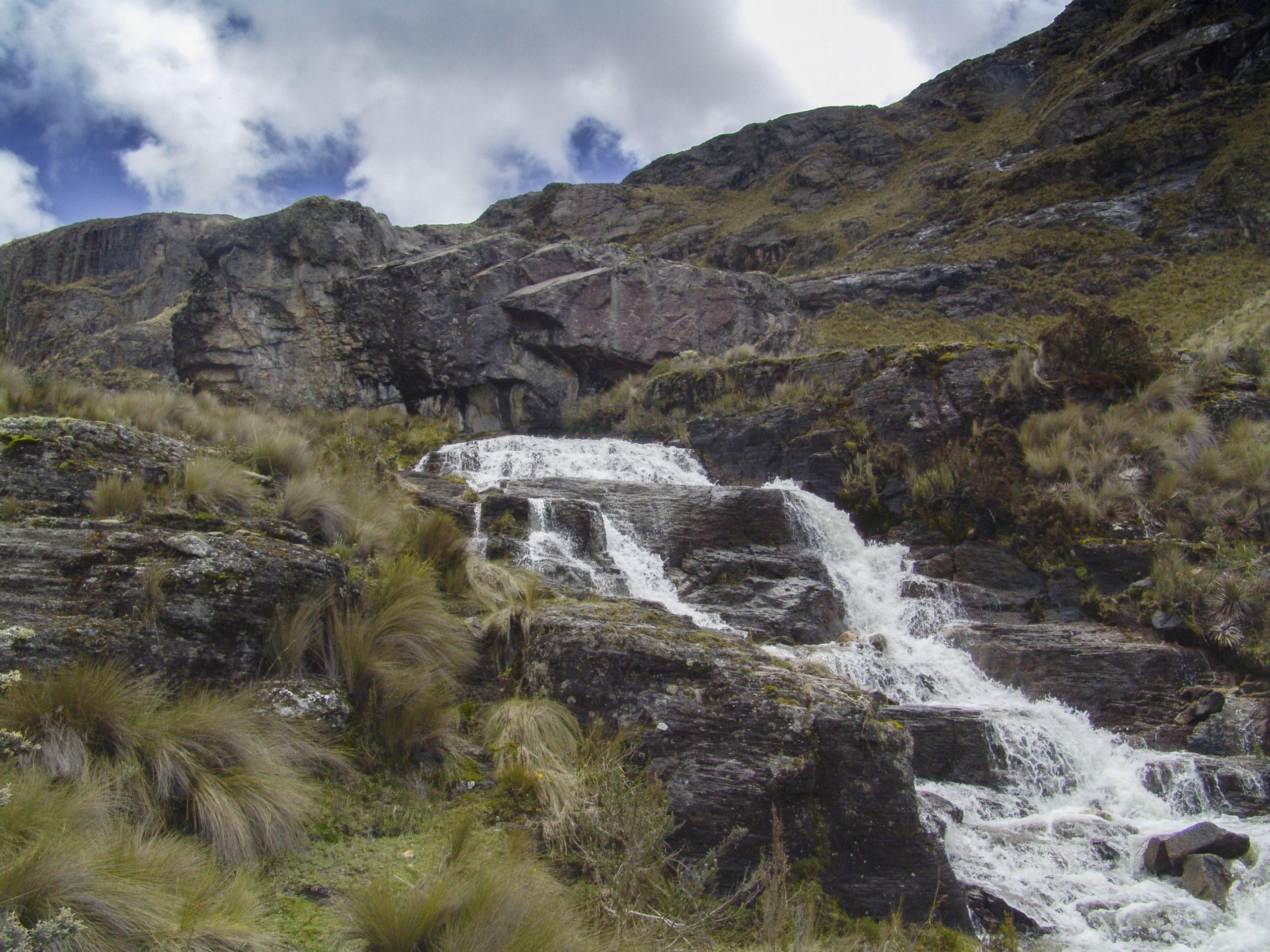 En los páramos nacen los cinco ríos que atraviesan Cuenca. Foto: Gustavo Morejón.