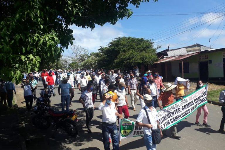Movilización mesa de concertación entre campesinos de Cartagena del Chairá y el Gobierno Nacional (noviembre 2020). Foto: COORDOSAC.