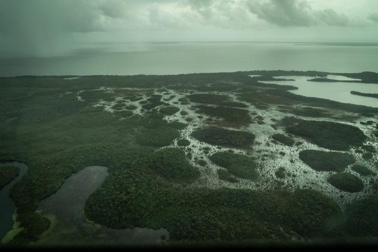 Vista aérea de Brus Laguna en La Mosquitia hondureña. Foto: Radio Progreso - Honduras.