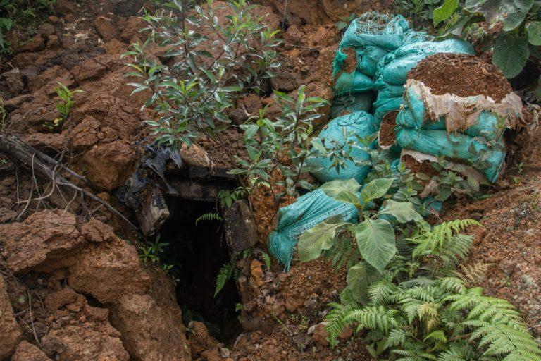 Los restos de la minería en Buenos Aires. Foto: Iván Castaneira / Agencia Tegantai.