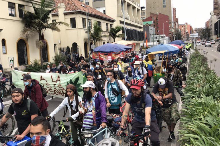 Así se veían algunas calles de las principales ciudades de Colombia durante el paro ambiental del 5 de junio de 2021. Foto: Twitter de @mesaclaudia2001