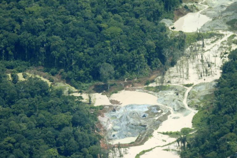 Explotación de oro de aluvión en tierra, Magüí Payán (Nariño). Foto: UNODC_SIMCI.