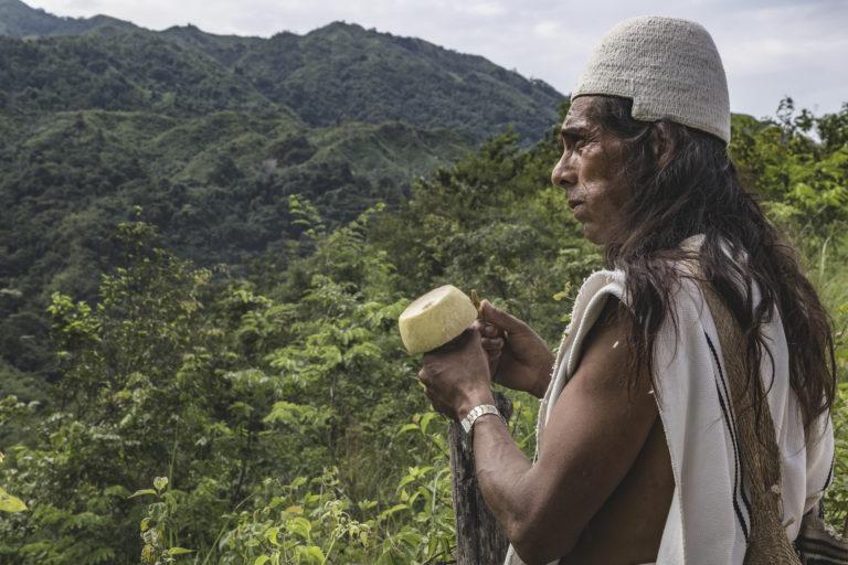 Indígenas arhuacos, kogui, wiwa y kankuamo habitan en la Sierra Neavada de Santa Marta. Foto: Amado Villafaña Chaparro.