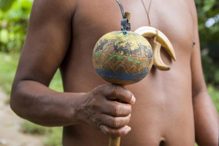 Atuendo de los indígenas sikuani, comunidad El Trompillo - Kuway. Foto: Juan Carlos Contreras Medina.
