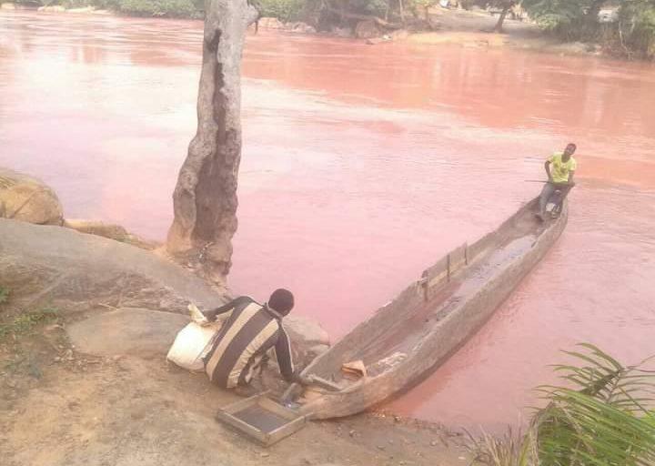 Rivière Tchikapa polluée